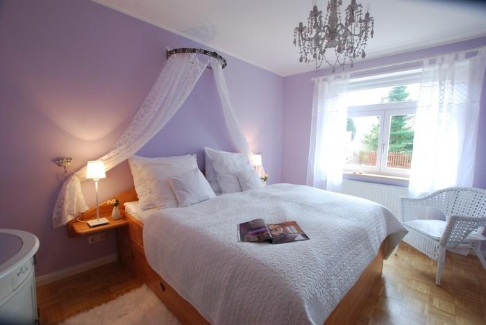schlafzimmer-romantisch-gestalten-DSC_0261